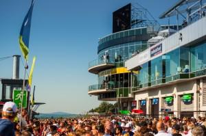 Nürburgring Boxengasse Dunlop VIP-Lounge