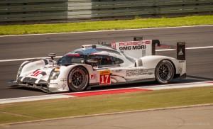 Porsche 919 Hybrid Prototype Nr 17 'Winner 2015 WEC' am vor der Bilstein Tribüne Nürburgring
