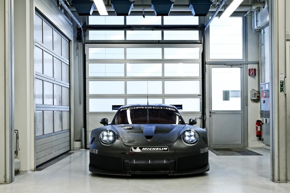 Neuer GTE/GTLM-Porsche im Motorsport Zentrum Flacht