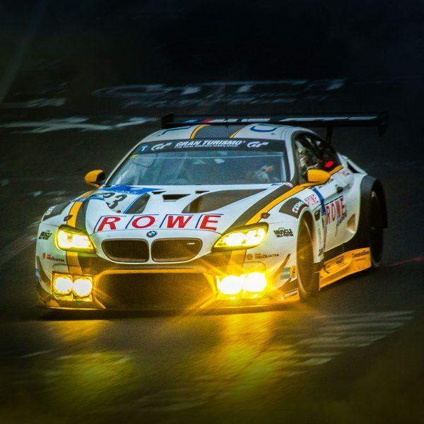 2016016 Rowe Racing M6 GT3 bei Nacht Poster Digitaldruck