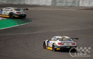 BMW M6 GT3 von Rowe Racing vor der Mercedestribüne, ADAC Zurich 24h Rennen